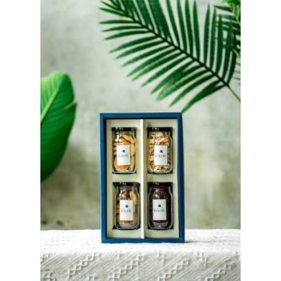 3J禮盒(玻璃罐裝:原味堅果1+蔓越莓乾1+手工餅乾2)$360元